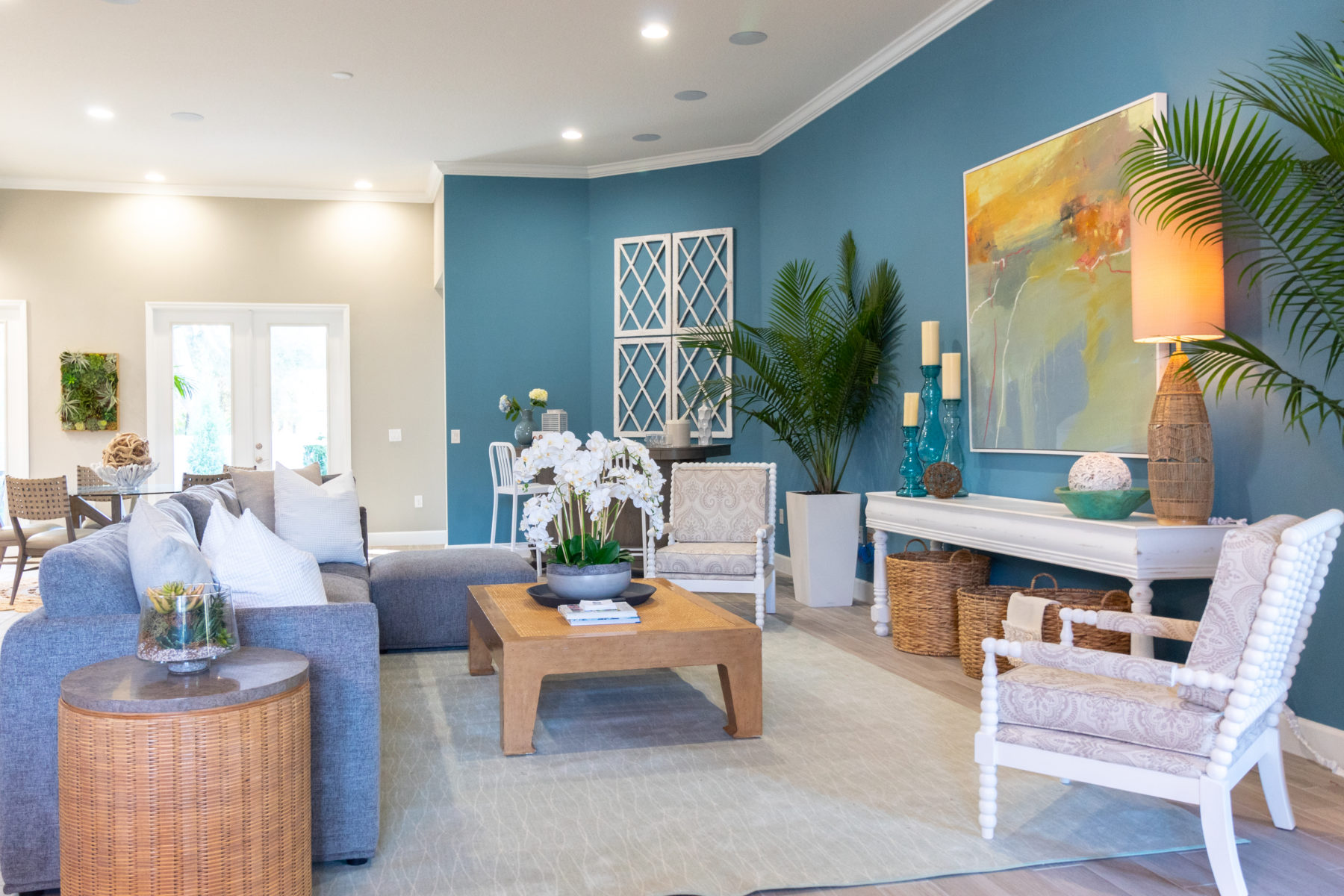 HGTV – Coastal home with bright twist debuts
